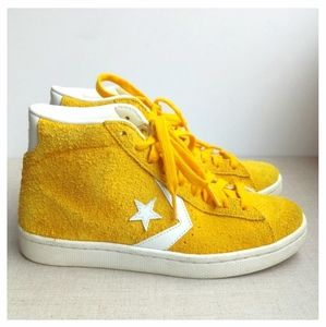 Converse US 7.5 EU 38.5 Yellow Suede Hi Tops Shoes